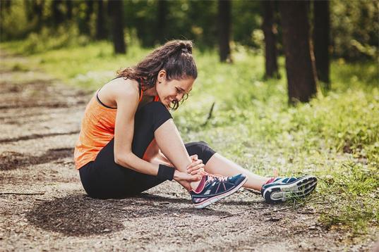 RUNNING INJURY PREVENTION TIPS